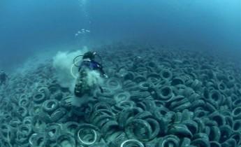 stop population decharge sous marine